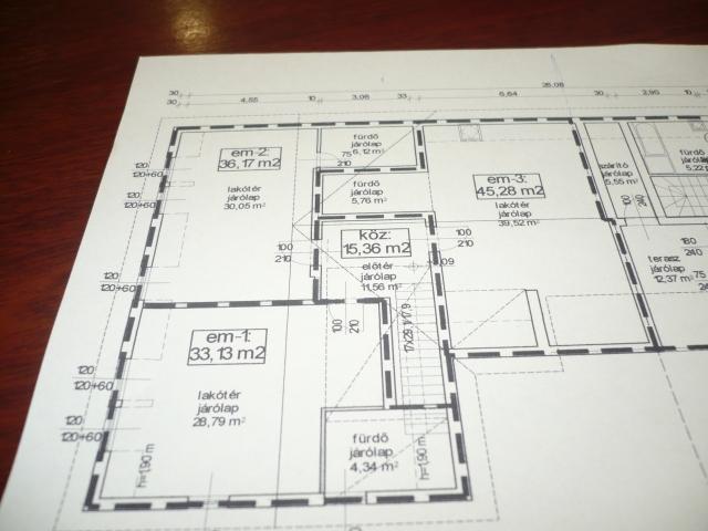 Eladó Lakóingatlan, önálló iroda, önálló üdülő, 8380 HÉVÍZ, Tégla