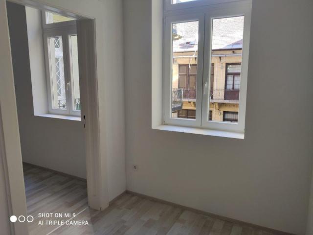 Eladó Lakóingatlan, önálló iroda, önálló üdülő, 1053 05. Ker. Budapest, Belváros, Tégla