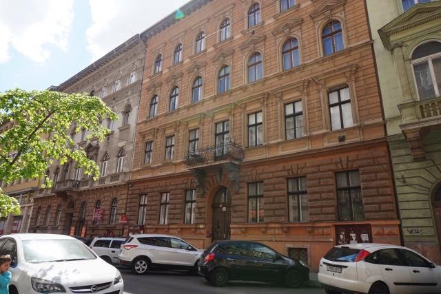Eladó Lakóingatlan, önálló iroda, önálló üdülő, 1067 06. Ker. Budapest, Tégla