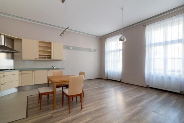 Eladó Lakóingatlan, önálló iroda, önálló üdülő, 1054 05. Ker. Budapest, Tégla