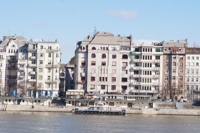 Eladó Lakóingatlan, önálló iroda, önálló üdülő, 1056 05. Ker. Budapest, Tégla